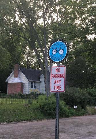Picture of a bikeway sign